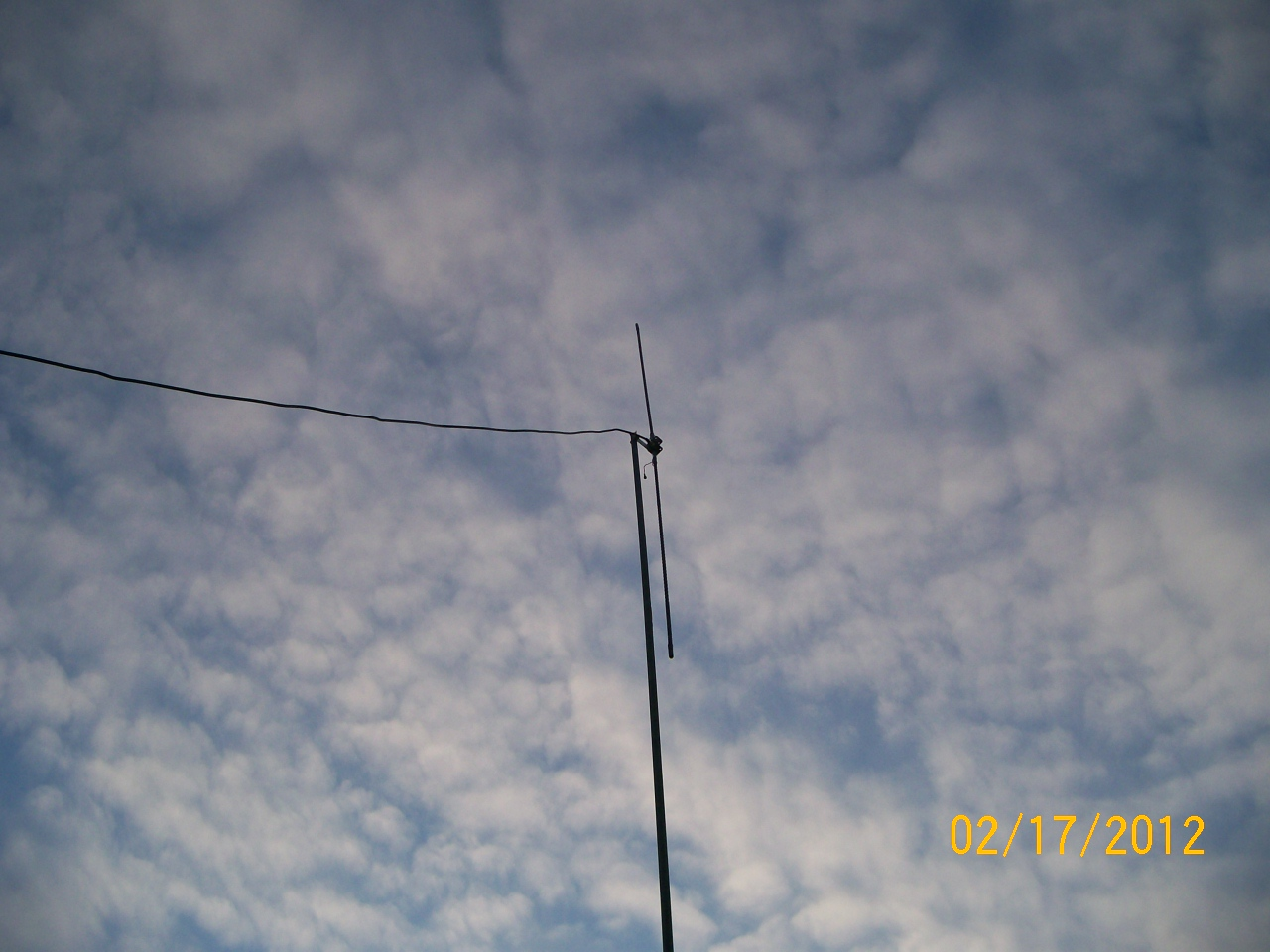 Stealthy Homebrew Vertical Dipole Antenna – Testimonial | VW BLVD